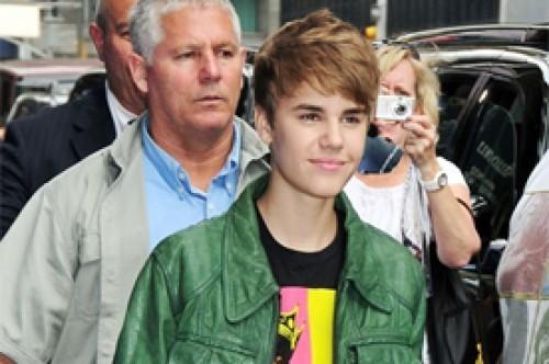 Justin Bieber subastará un automóvil con su autógrafo