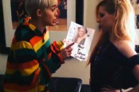 Miley Cyrus y Avril Lavigne pelean por saber quién es más famosa - VÍDEO