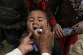 La OMS advierte alarma mundial por propagación de enfermedad de polio