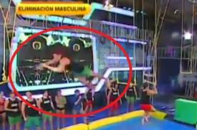 Combate: Hugo causa susto al sufrir terrible caída en vivo - Video