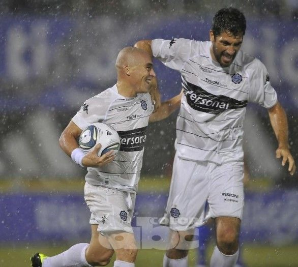 Goles del Olimpia vs The Strongest (2-0)  - Copa Sudamericana 2011