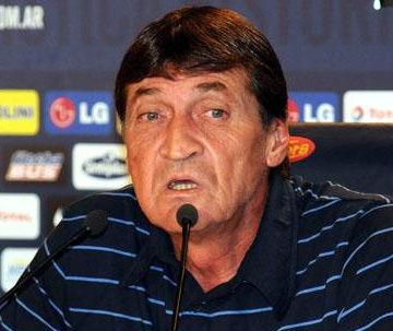 César Falcioni: Riquelme no fue convocado porque Sabella no quiso