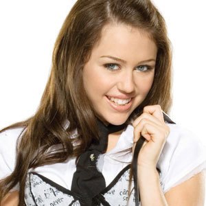Miley Cyrus muestra accidentalmente su sostén