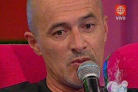 Carlos Alcántara muestra molestia por tantas repeticiones de Patacláun