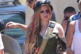 Avril Lavigne convertida en sexy mujer soldado para 'Rock N Roll' - Fotos
