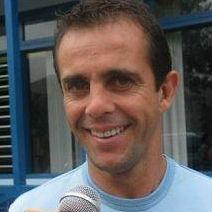 Julinho regresa a Amigos y Rivales pese a grave cuadro de cálculos renales