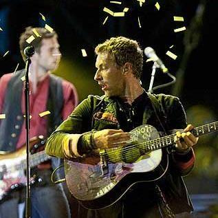 Coldplay prefiere tocar en estadios porque el público no puede olerlos