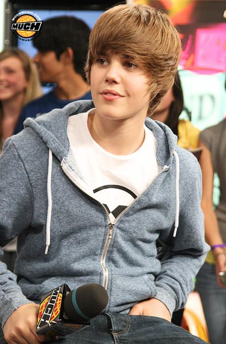 Justin Bieber quiere una mujer como Katy Perry y Cheryl Cole