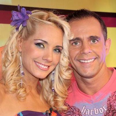 Julinho se vistió de mariachi y sorprendió a Brenda Carvalho por su cumpleaños