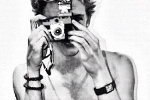 Cody Simpson sorprende con foto de su torso desnudo en Twitter