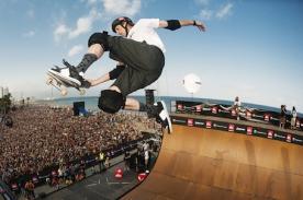 Tony Hawk realizó el mejor truco de skateboarding de la historia - Video