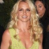Britney Spears compró DVD de Never Say Never de Justin Bieber