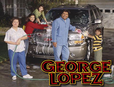 George Lopez ayudó a Sandra Bullock guardar en secreto la adopción