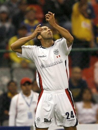 Roberto Silva tiene grandes sospechas de que en el fútbol peruano hay algunos gays