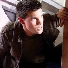 Taylor Lautner no trabajará de stripper en cinta sobre Channing Tatum