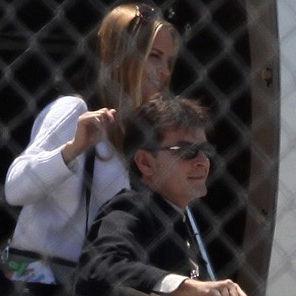 Charlie Sheen se habría reconciliado con expareja Brooke Mueller