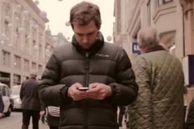 Look up: Viral que te alejes de tu Smartphone - VIDEO