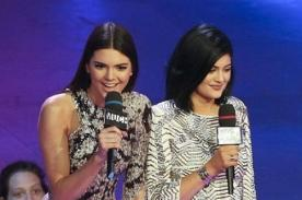 Kellan Lutz quedó encantado con Kylie y Kendall Jenner