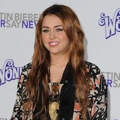 Miley Cyrus es criticada por su aparición en el filme de Justin Bieber
