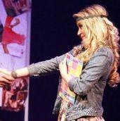 Leslie Shaw debuta como actriz en Carmín, El Musical