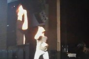 Ex American Idol, Scotty McCreery, se desplomó en el suelo en concierto