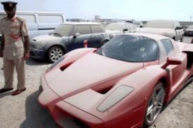 Británicos abandonan sus autos de lujo en aeropuerto de Dubai