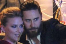 Scarlett Johansson muy cariñosa con Jared Leto