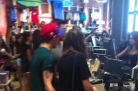 Louis Tomlinson captado tocando el trasero de su novia - Foto