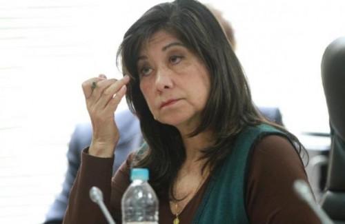 Twitter: Martha Chávez pierde los papeles por comentarios en red social