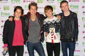The Vamps cautivados por la belleza de Selena Gomez