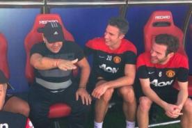 Diego Maradona visitó sorpresivamente al Manchester United
