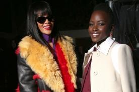 Rihanna y Lupita Nyong'o se toman selfie en París
