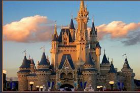 La compañia Comcast decidida a conquistar el territorio de Walt Disney