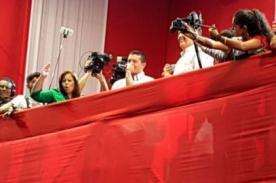 Mario Hart desata furor en mitin de cierre de Alan García (VIDEO)