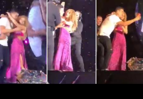Shakira defendió a seguidor de sus guardaespaldas en pleno concierto en México