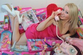 Joven se somete a cirugía para lucir como Barbie