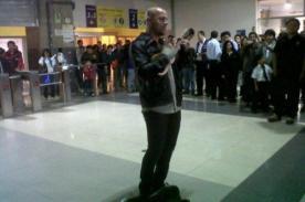 Foto: Gian Marco sorprendió al cantar en Estación Central del Metropolitano