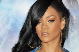 Rihanna se burla de Joan Rivers para defender a Chris Brown