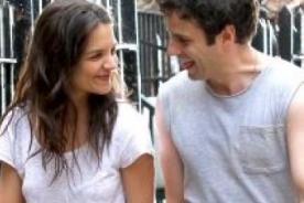 ¿Katie Holmes tiene una nueva pareja?