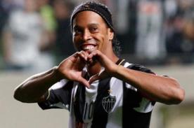 Ronaldinho se sometió a una cirugía para mejorar su dentadura