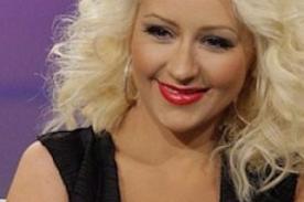 Christina Aguilera sigue presumiendo su delgada figura y dice sentirse sexy