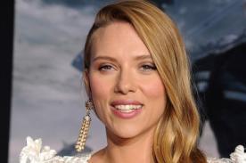 Scarlett Johansson lució su tierna pancita en la alfombra roja - FOTOS