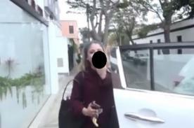 Peluchín: Flavia Laos hace este gesto a cámaras de 'Amor, Amor, Amor' - VIDEO