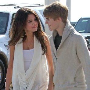 Foto: Selena Gomez y Justin Bieber pasean agarrados de las manos