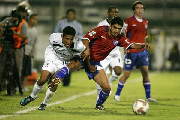 Josepmir Ballón: Si voy a River Plate dejaré en alto el nombre del Perú