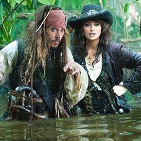 Johnny Depp y Penelope Cruz en la primera imagen de Piratas del Caribe 4