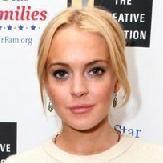 Lindsay Lohan cumple con orden al asistir a centro de pruebas de drogas