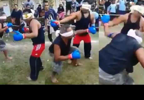 Hombres que boxean con los ojos vendados dejan a más de uno boquiabierto