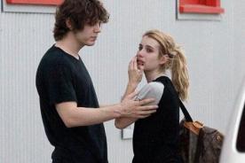 Emma Roberts junto a Evan Peters luego de arresto por violencia - Fotos
