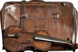 Titanic: Violín del líder del grupo musical será subastado